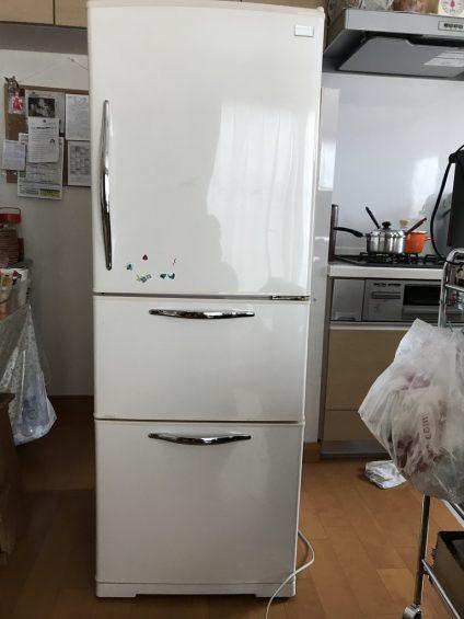 HITATIの以前の冷蔵庫の外観